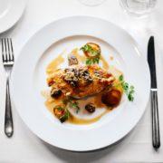 Obrázek: Objednejte si od stolu. Jak by mohla vypadat restaurace pandemické doby?