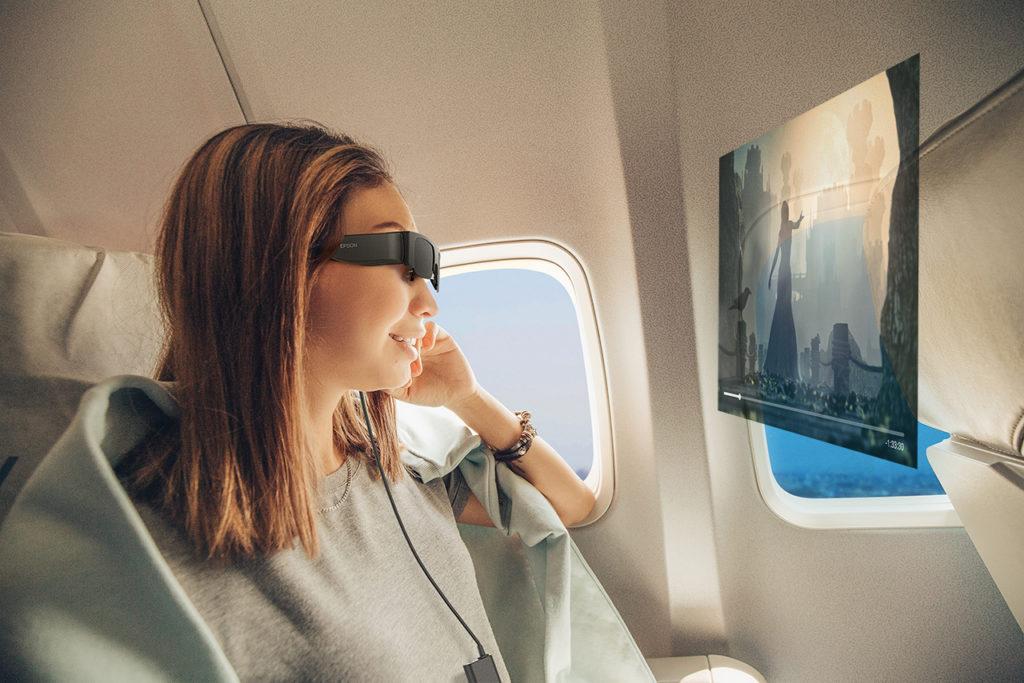 Obrázek: Chytré brýle trochu jinak: Moverio jsou jako skrytý monitor, nahradí i 3metrovou TV