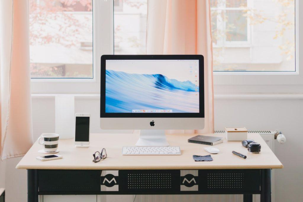 Obrázek: Pracujete na home office? Která bezdrátová sluchátka vám usnadní práci?