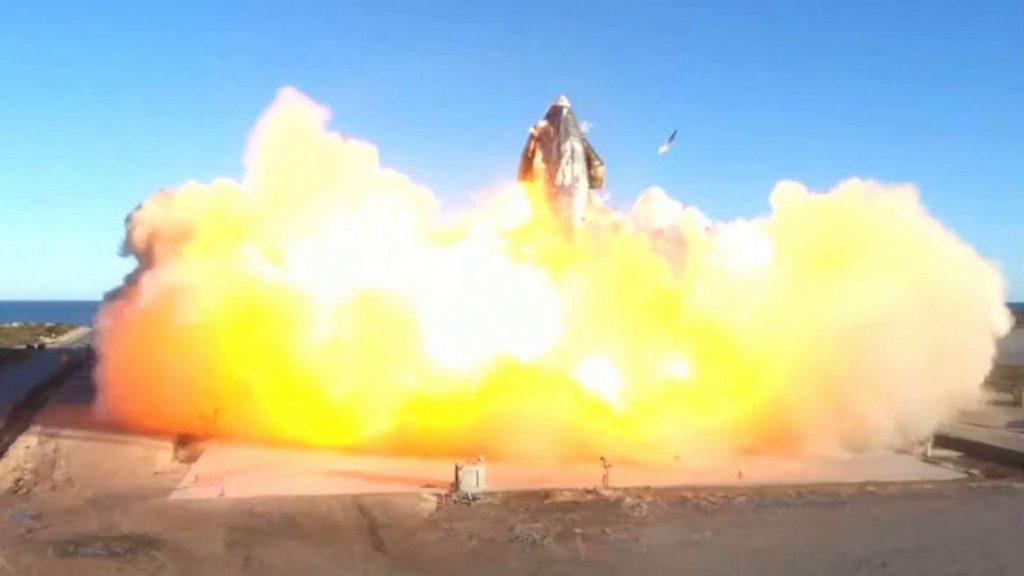Obrázek: Loď Starship od SpaceX při přistání explodovala: Přesto jde o úspěch, tweetuje Elon Musk