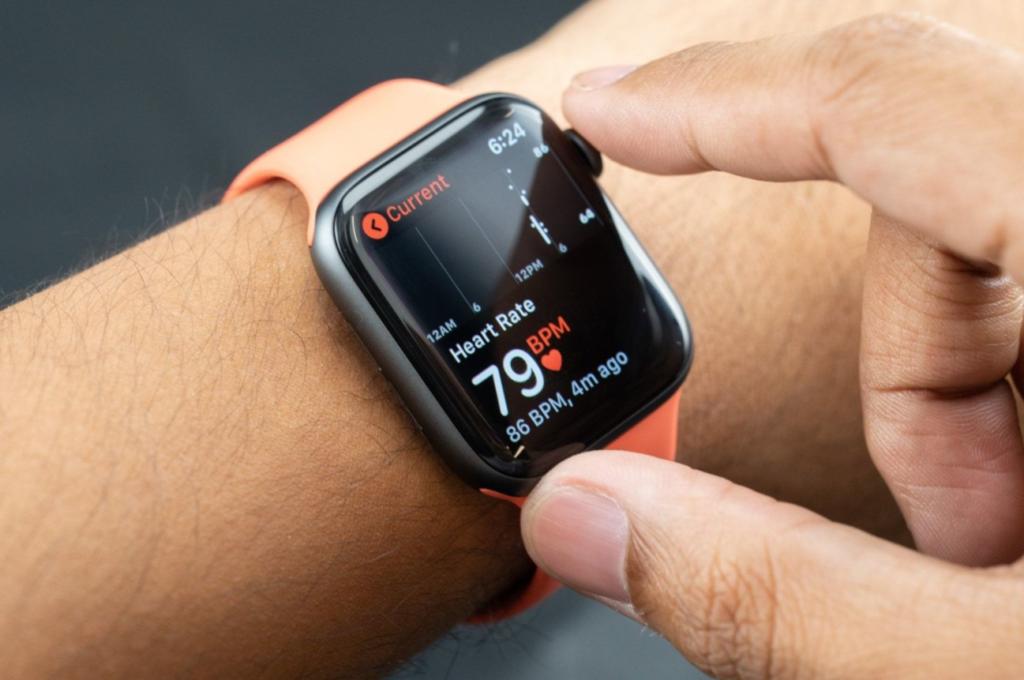 Obrázek: Chytré hodinky dokáží detekovat koronavirus až 7 dní před prvními příznaky