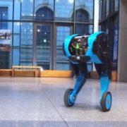 Obrázek: Český robot je překvapivě levný: Mohl by roznášet balíčky i skákat do schodů