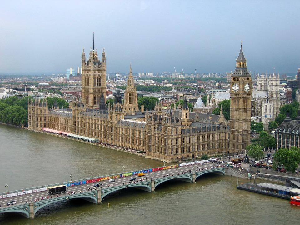 Obrázek: Budou data mezi EU a Velkou Británii dál proudit?
