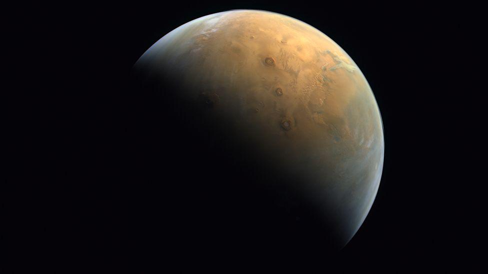 Obrázek: Na Zemi dorazila první fotografie Marsu z arabské sondy Hope