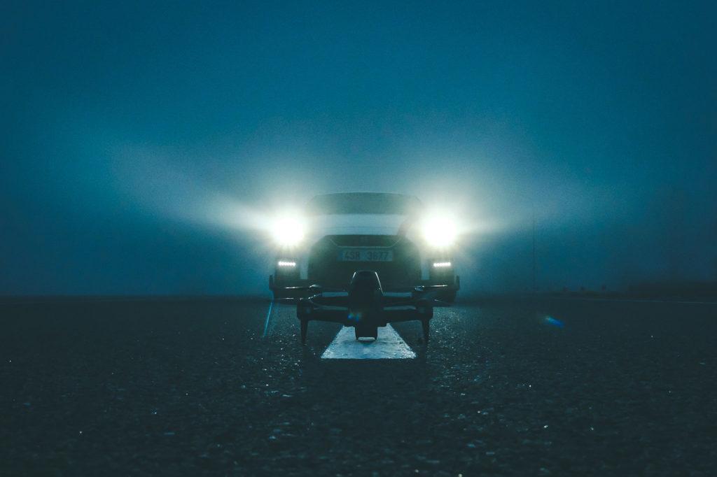 Obrázek: První závodní dron od DJI: Předežene na závodním okruhu Nissan GT-R Nismo?