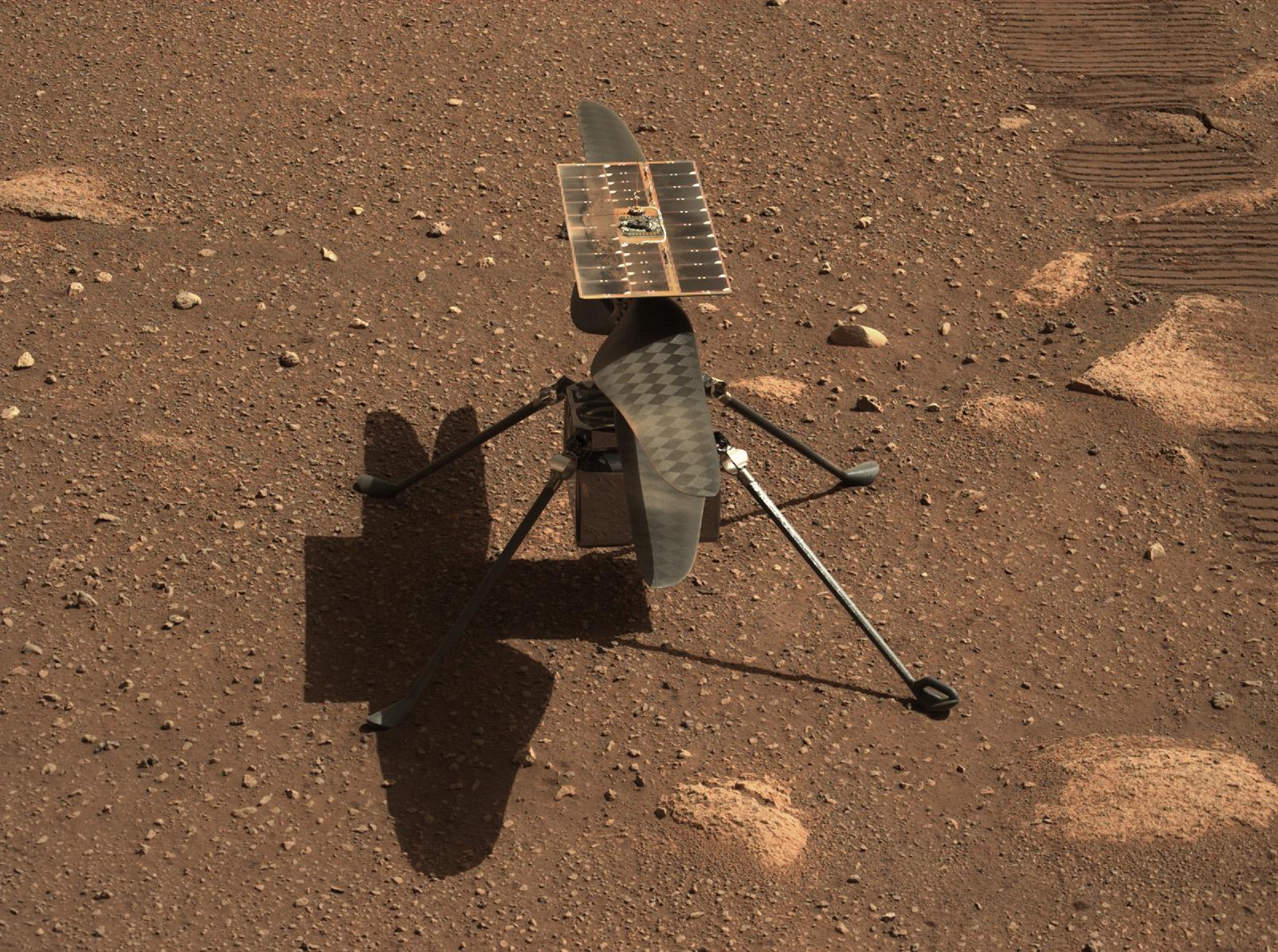Obrázek: Helikoptéra Ingenuity přežila svou první noc na Marsu, 12. dubna poprvé poletí