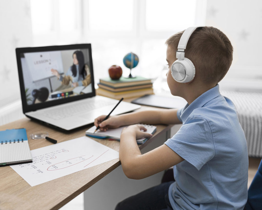 Obrázek: Repasované počítače jsou výhodnou alternativou: Kdy se vyplatí a podle čeho vybírat?