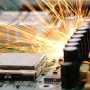 Obrázek: Padl světový rekord v taktování RAM: 7 156 MHz a chlazení kapalným dusíkem
