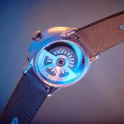 Obrázek: Zahoďte nabíječku: Chytré hodinky díky gravitaci nemusíte nikdy nabíjet