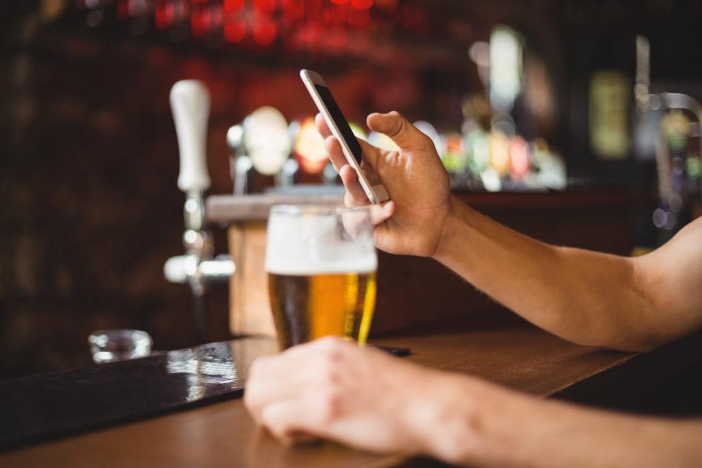 Obrázek: Zákaz Wi-Fi nebude: Vláda opět podlehla tlakům ze sociálních sítí