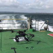 Obrázek: Muž přes palubu: Námořníky Královského námořnictva budou zachraňovat drony