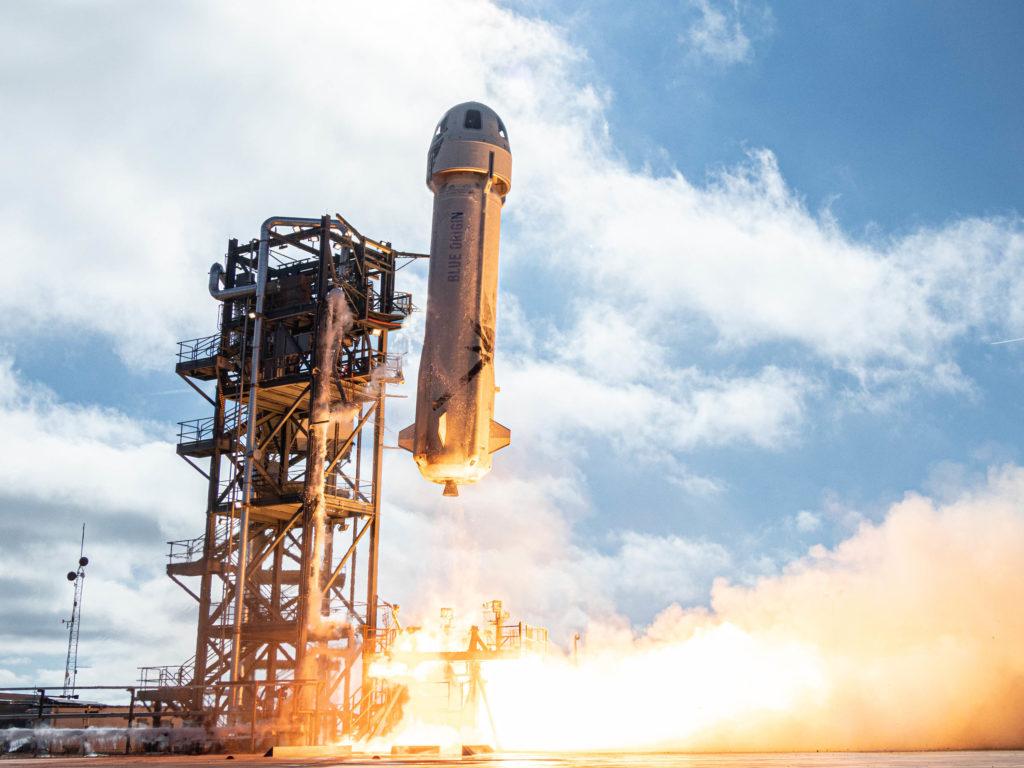 Obrázek: Miliardáři míří do vesmíru: Virgin Galactic uspěl, dnes startuje Blue Origin Jeffa Bezose