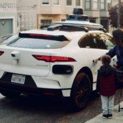Obrázek: Další krok k autonomní dopravě: Auta bez řidiče začínají vozit zákazníky po San Franciscu