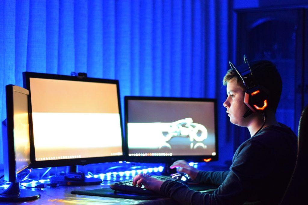 Obrázek: Hry jsou opiem duše. Čínský státní tisk opět kritizuje videohry