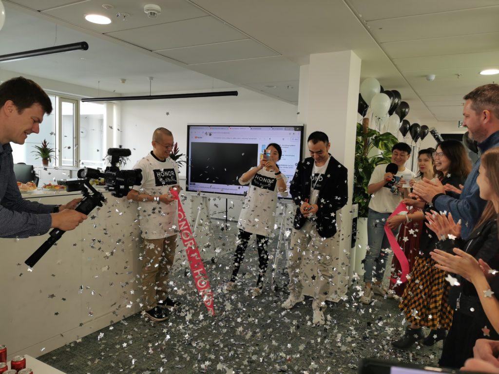 Obrázek: Honor to s Českem myslí vážně: Otevřel tu novou centrálu a uvede modely s Google službami