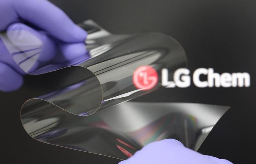 Obrázek: Vyřešilo LG problém skládacích telefonů? Ohebný materiál vydrží až 200 000 ohnutí