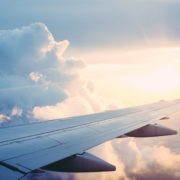 Obrázek: Rychlý a neomezený internet v letadlech? SpaceX jedná s aerolinkami o Starlinku
